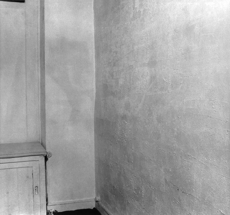 La spécialisation de la sensibilité à l'état matière première en sensibilité picturale stabilisée or better known as Le vide at Galerie Iris Clert, Paris, 28 April - 12 May 1958. Courtesy Yves Klein, ADAGP, Paris